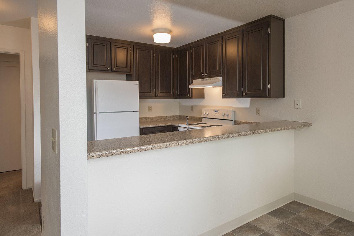 Sierra Glen Vacant Upgraded Kitchen & Dining Area