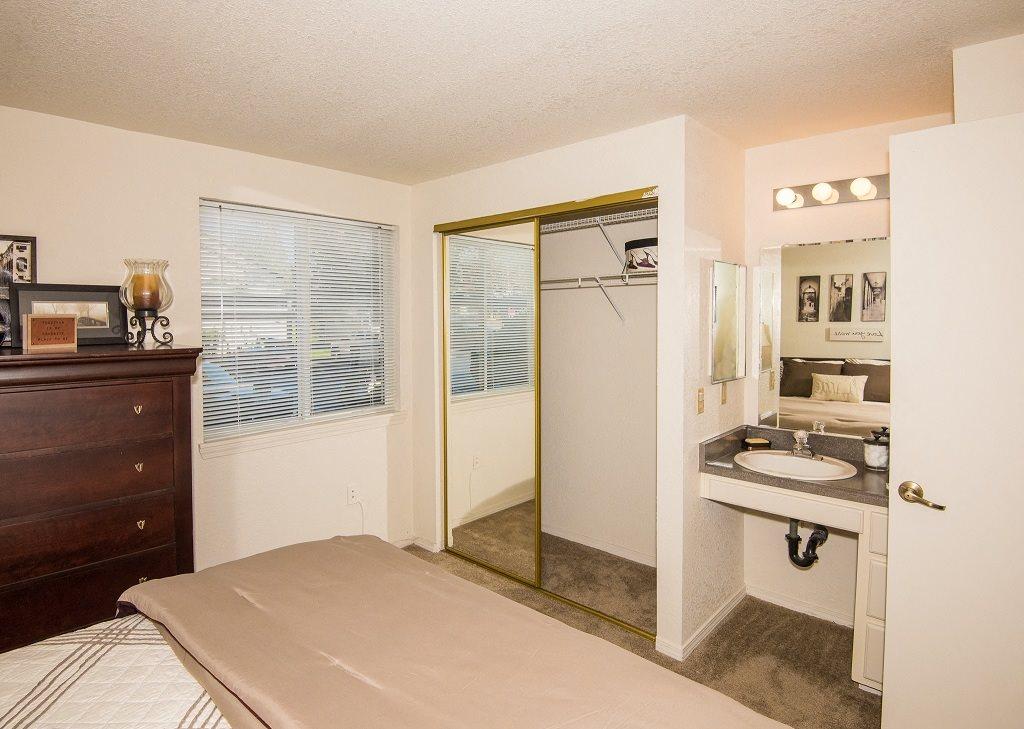 Sir Charles Court Model Master Bedroom Closet & Vanity