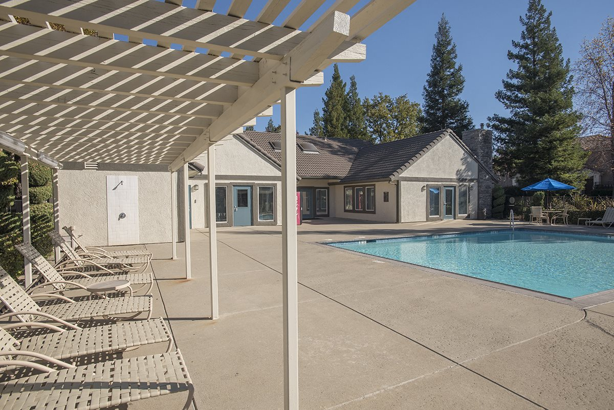 Stanford Heights Pool Lounge Area