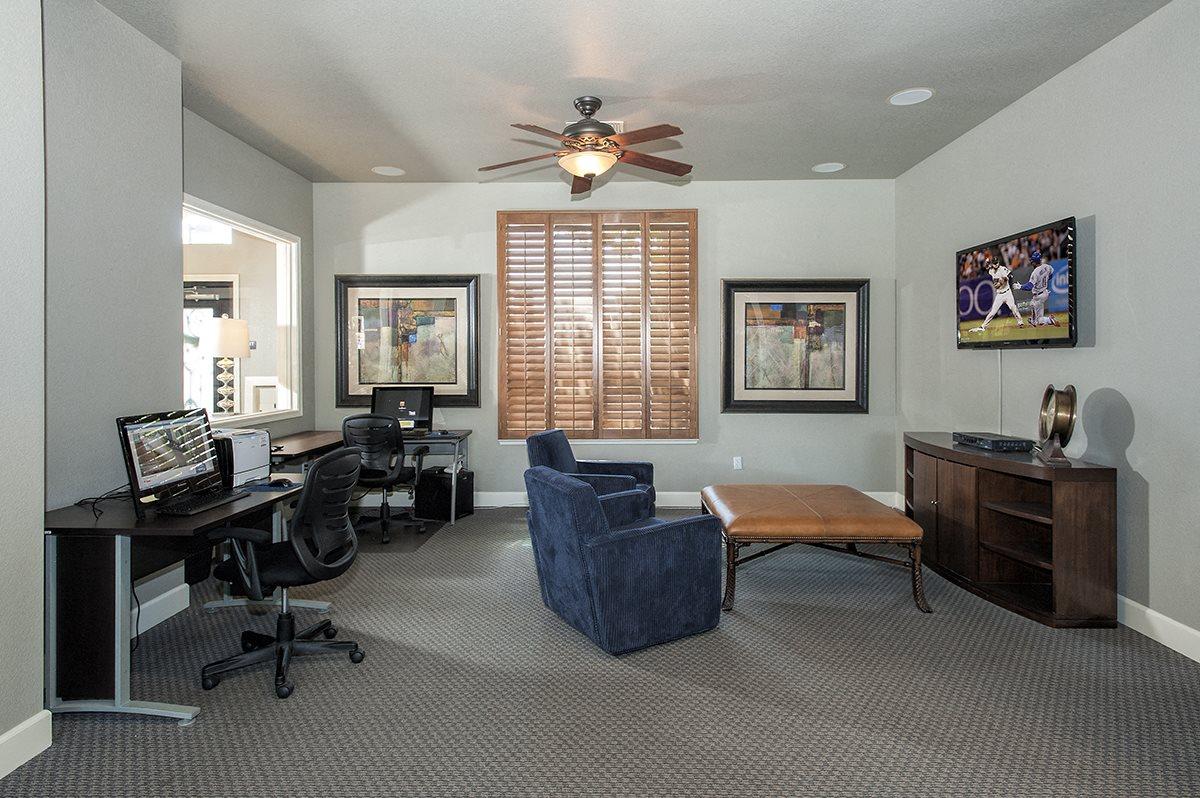 Stoneridge Business Center & TV Lounge