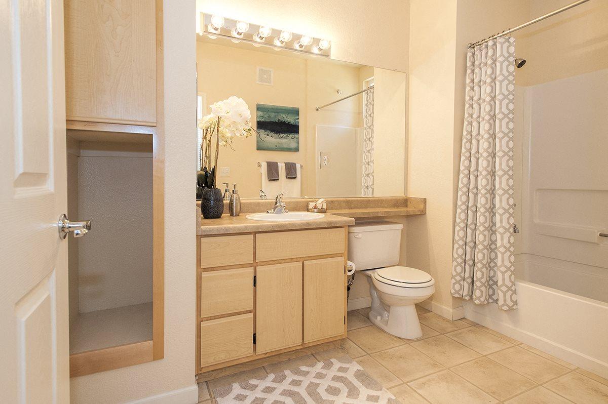 Stoneridge Second Model Bathroom & Storage