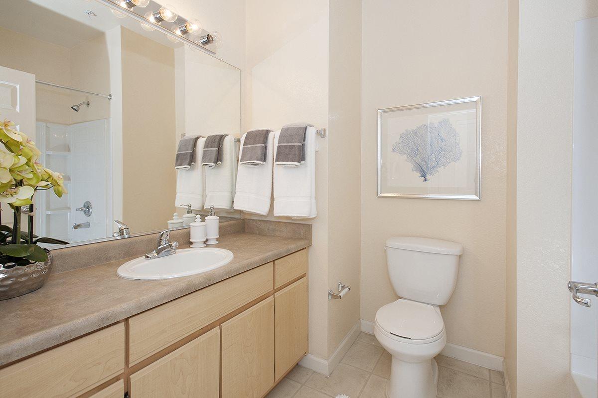 Stoneridge Model Bathroom