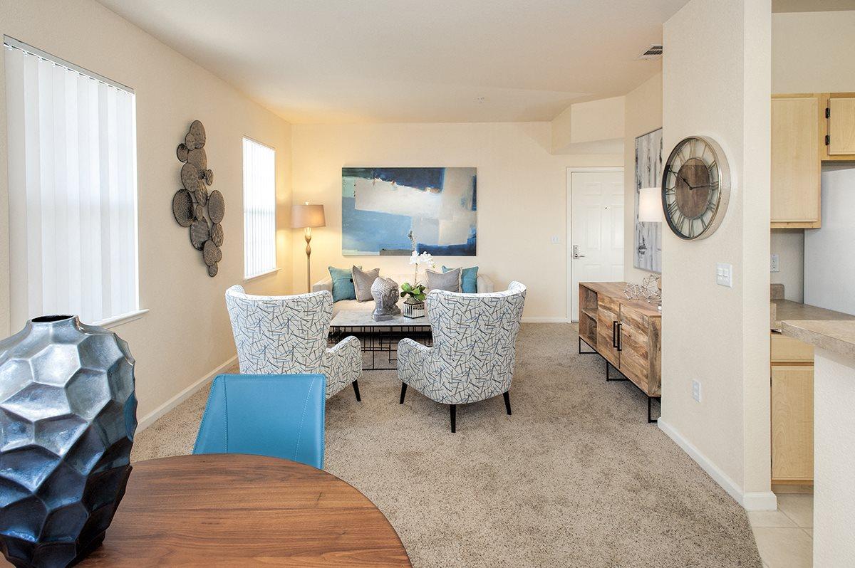 Stoneridge Model Living Room & Furniture