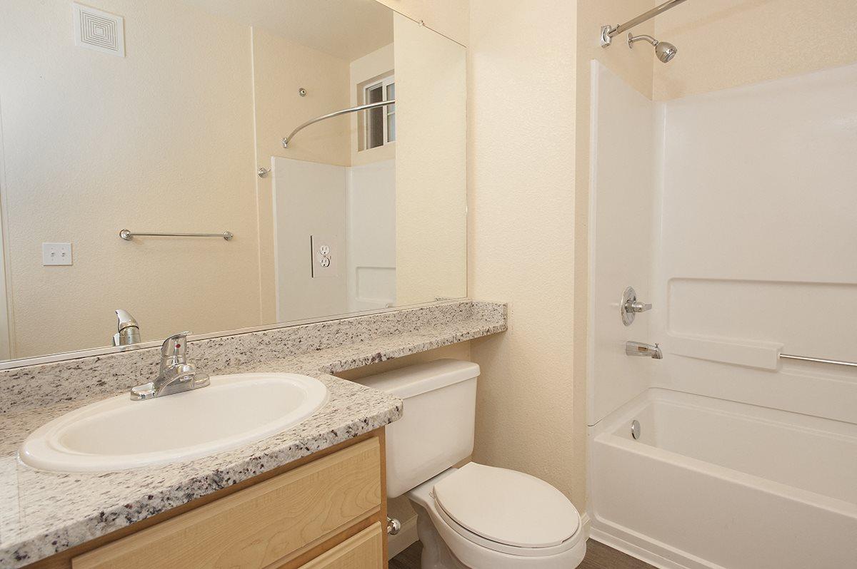 Stoneridge Vacant Bathroom