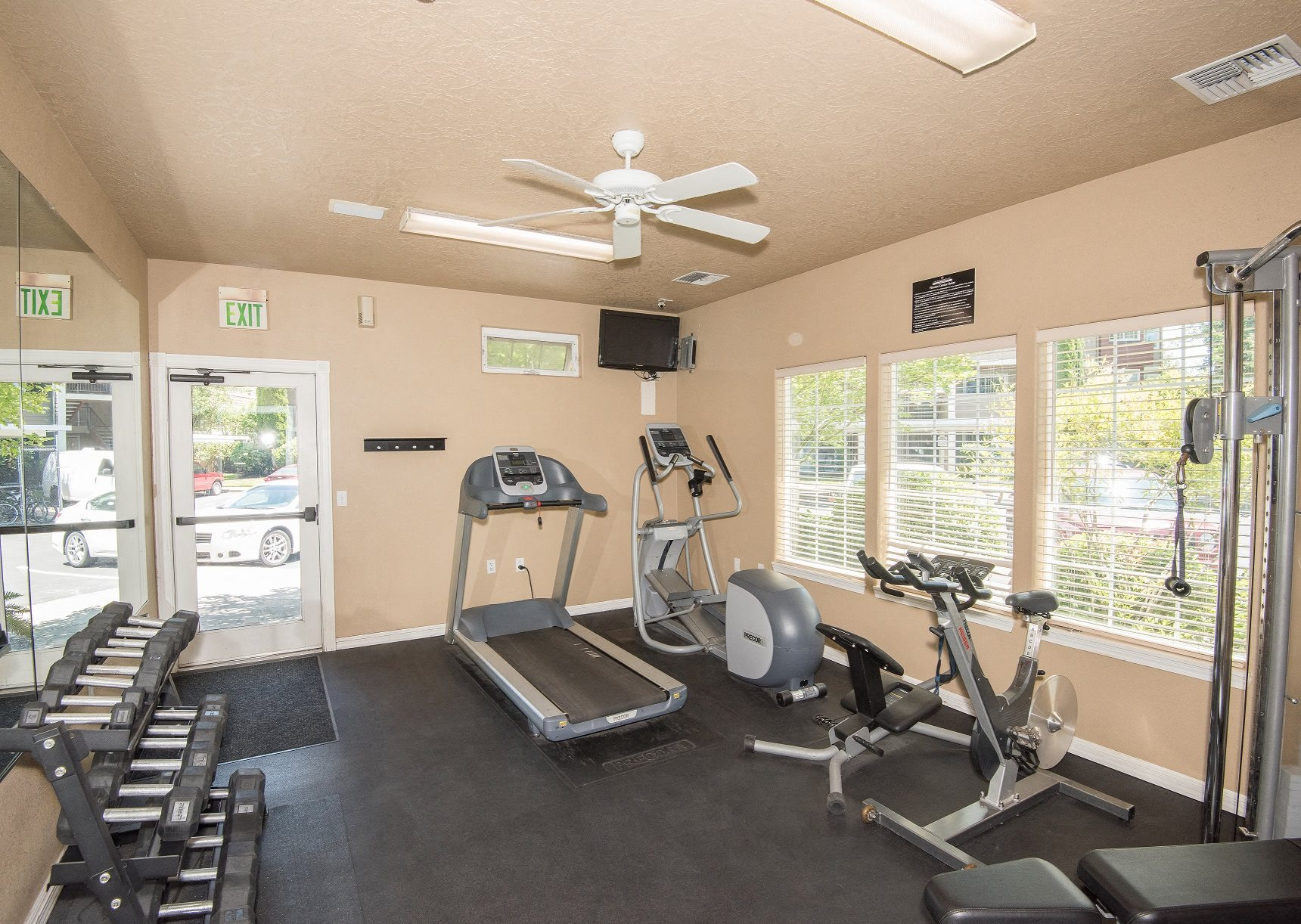 Valley River Court 24 Hour Fitness Center 2nd Angle