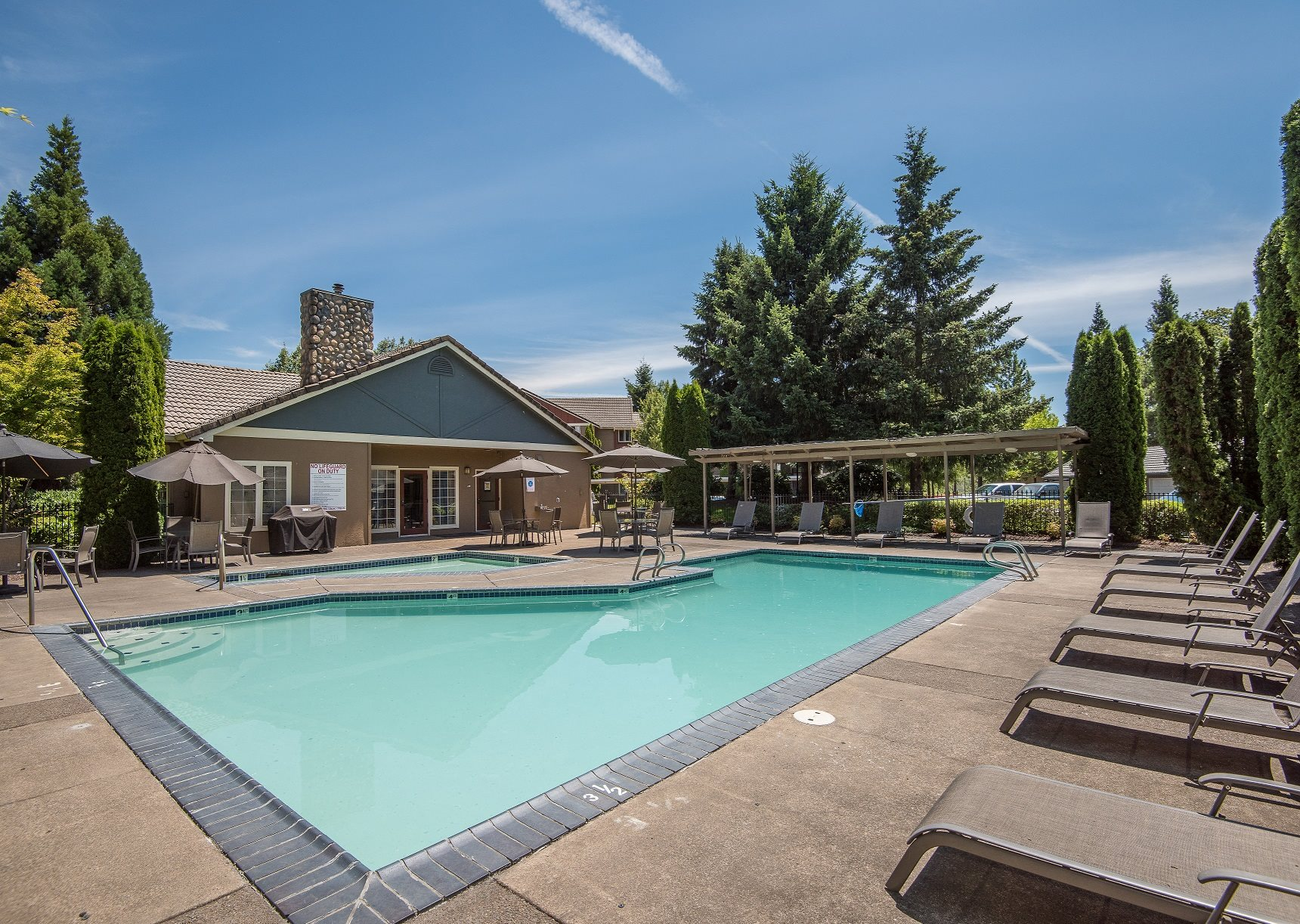 Valley River Court Pool Deck & Lounges
