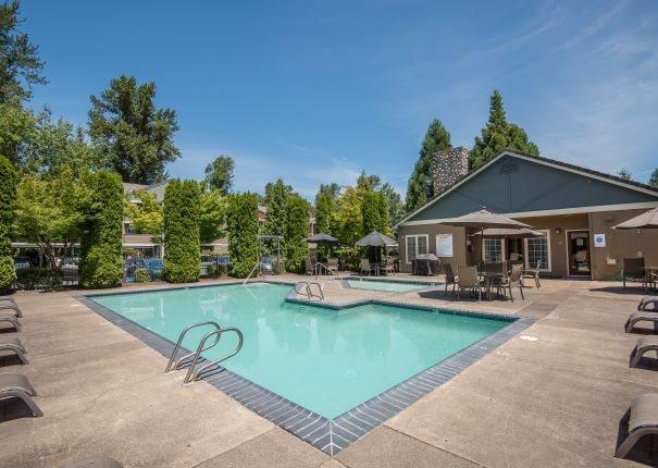 Valley River Court Seasonal Pool