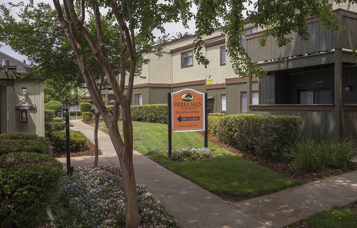 Sierra Glen Leasing Office & Directional Sign