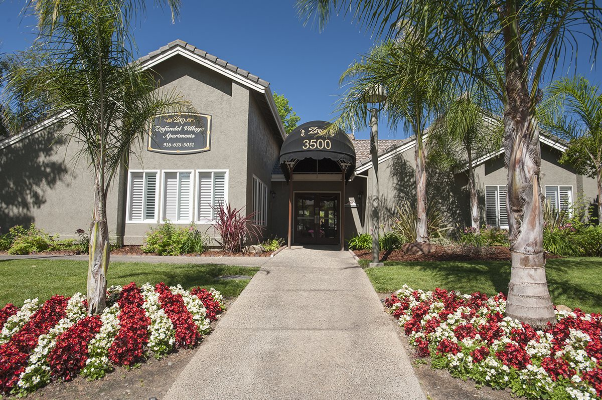Zinfandel Village Clubhouse Exterior Entry & Floral Landscaping