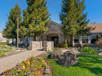 600 Rohnert Park Expressway West 1-3 Beds Apartment for Rent Photo Gallery 1
