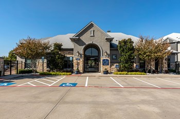 5250 Town and Country Boulevard 1-3 Beds Apartment for Rent Photo Gallery 1