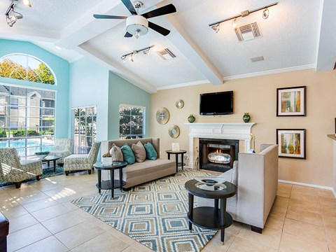Fireplace Sitting Area at Green Tree Place, Jacksonville, 32256