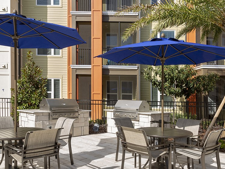 Poolside Grilling Stations at Integra Sunrise Parc, Kissimmee