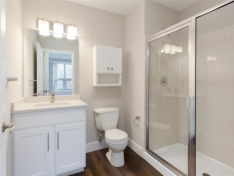 Kimball Towers  apartments bathroom