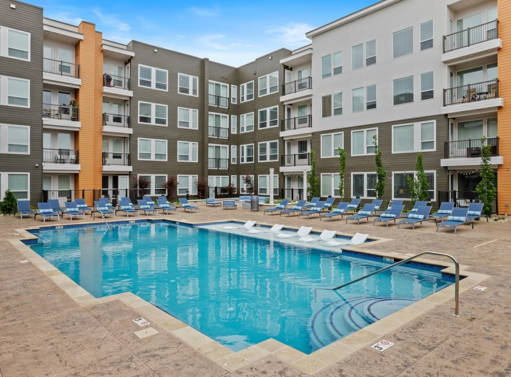 Element 25 apartments pool and spa