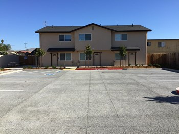921 Del Monte Avenue 3-4 Beds Apartment for Rent Photo Gallery 1