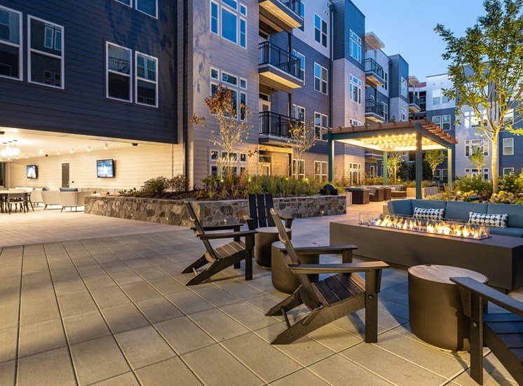 Outdoor courtyard with fire pit at Cameron Square, Alexandria, VA