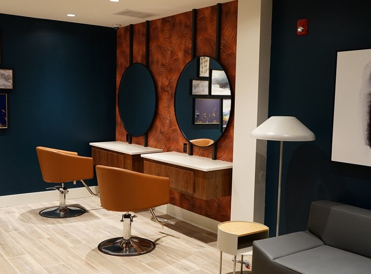 The Apex at CityPlace - Salon