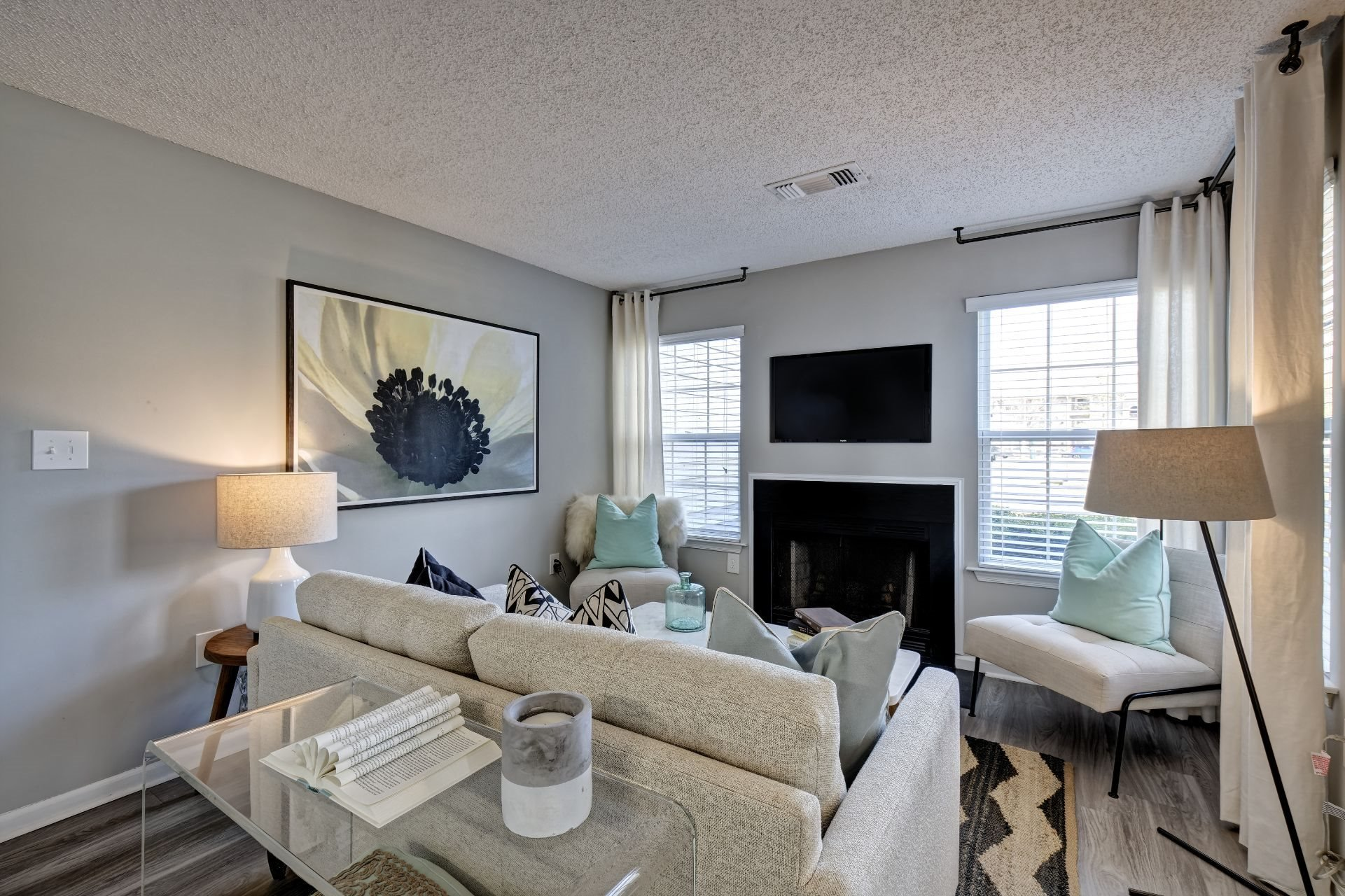 Newly Renovated 1, 2 and 3 Bedroom Luxury Apartments in Lawrenceville NJ with Open Concept Living Room, Fireplace, Picture Windows and  Private Patio or Balcony -1000 Steward Crossing Way Lawrenceville NJ 08646