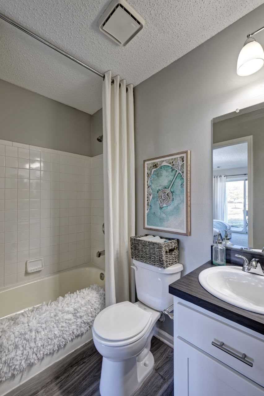 Newly Renovated 1, 2 and 3 Bedroom Apartments with Spa Baths, Large Bedrooms and Closets, Private Patio or Balcony, and Work-From-Home, Home Office Space in Lawrenceville NJ-1000 Steward Crossing Way Lawrenceville NJ 08646