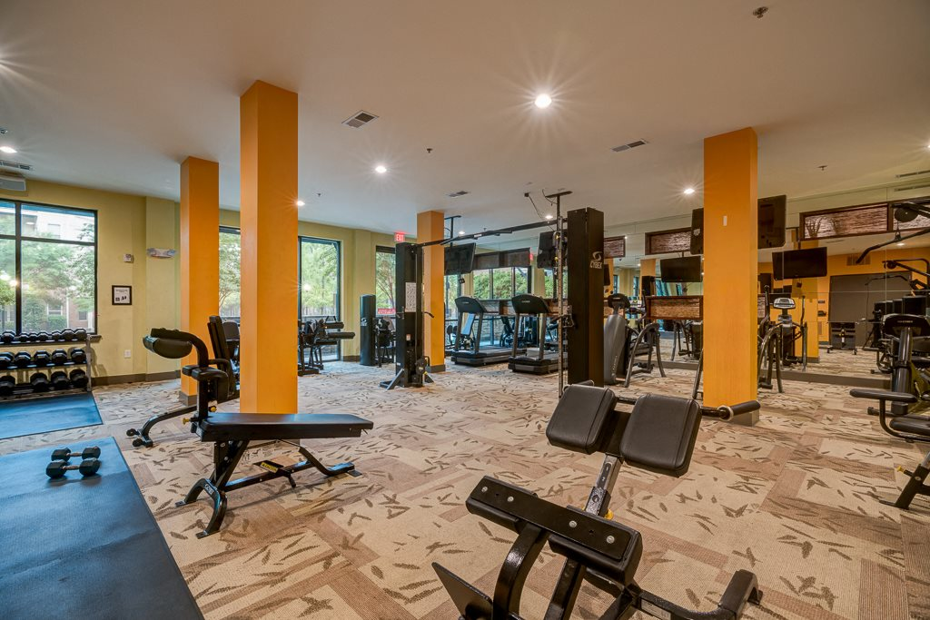 Fitness center with free weights eon