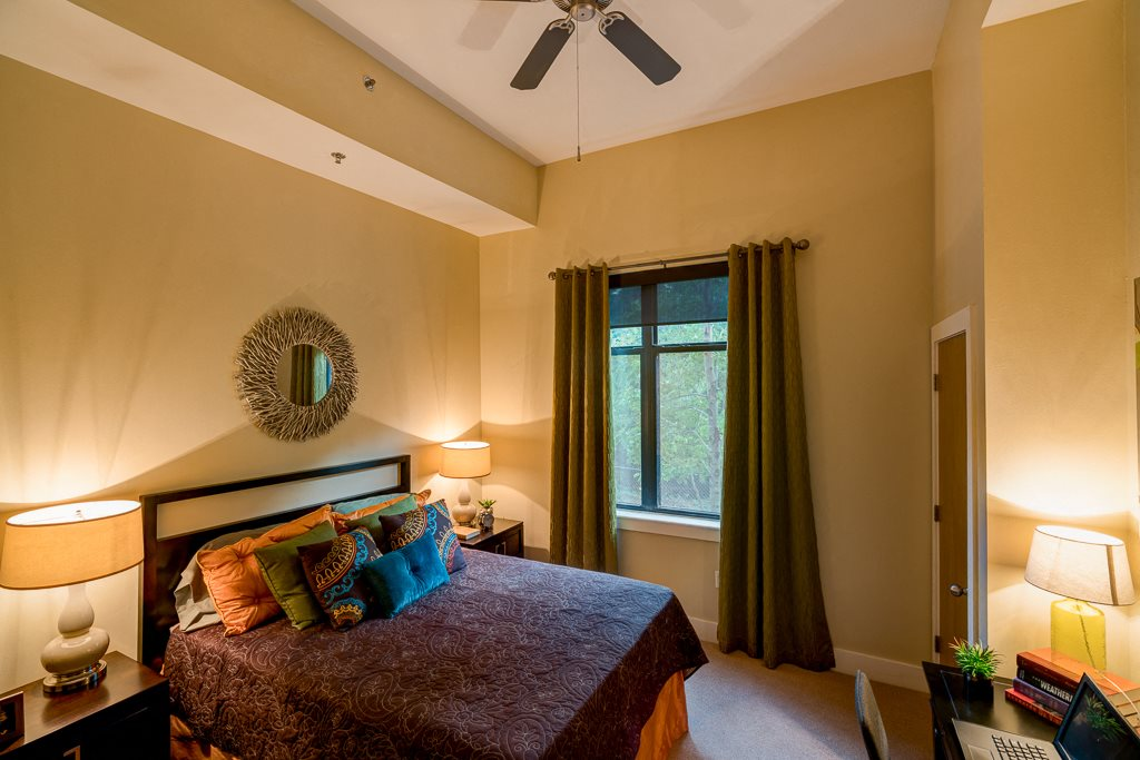 Bedroom with ceiling fan eon at Lindbergh