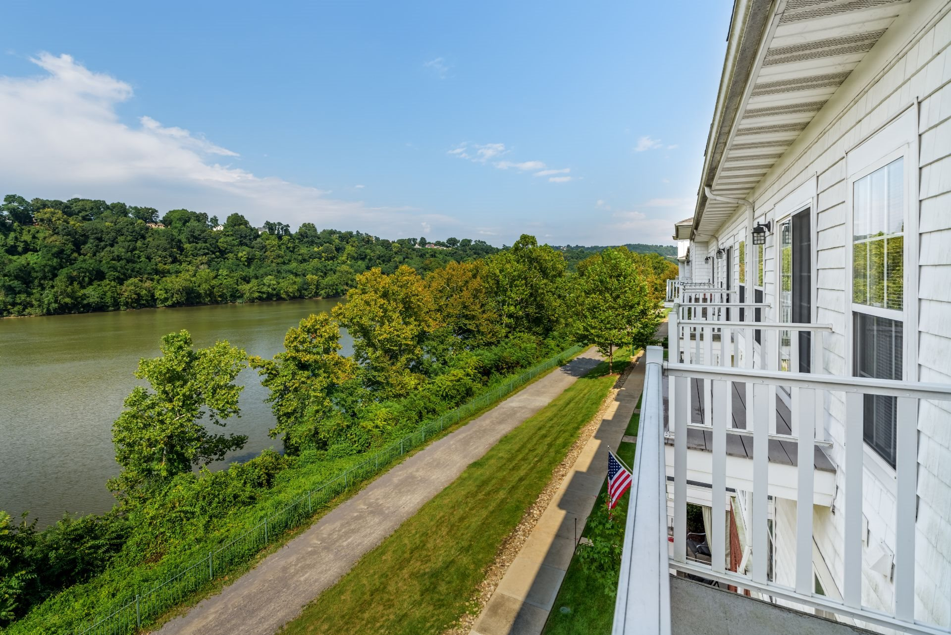 Luxury  Waterfront 1, 2 and 3 Bedroom Apartments and Townhomes with Balconies and River views,  611 E. Waterfront Drive, Munhall, PA 15120, short commute to Downtown Pittsburgh