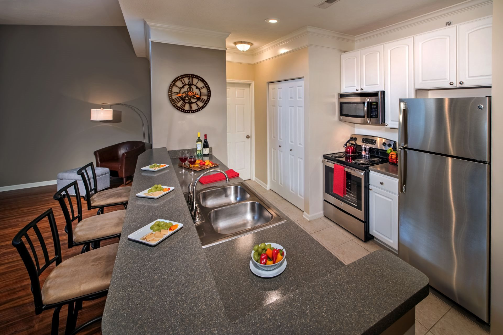 Luxury 1, 2 and 3 Bedroom Apartments and Townhomes with Open-Concept,  Gourmet Kitchens, Stainless Appliances, Washer Dryer, and River Views,   611 E. Waterfront Drive, Munhall, PA 15120-The Waterfront