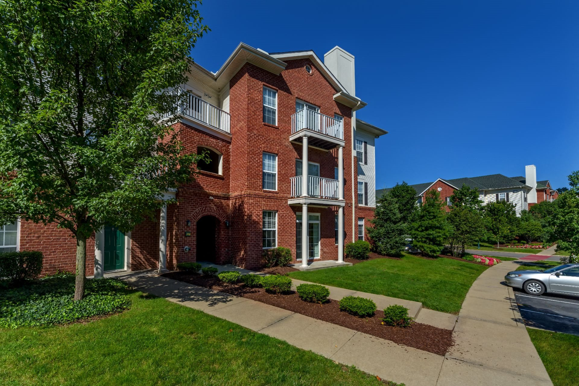 1, 2 and 3 Bedroom Apartments Near Downtown Pittsburgh, Christopher Wren Apartments
