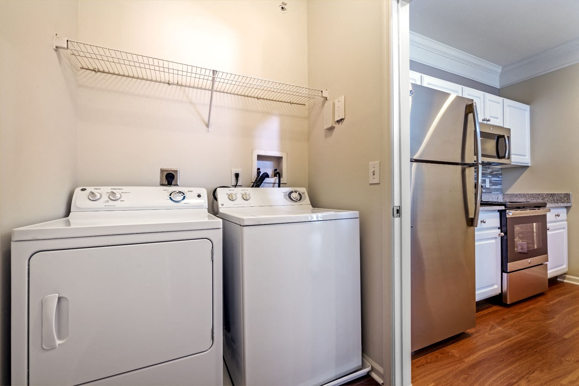 Christopher Wren Apartments with Washer Dryer, 501 Christopher Wren Drive, Wexford, PA 15090