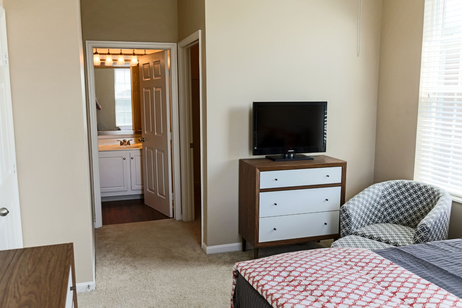 Pet Friendly Apartments and Townhomes in West Chester OH with Large Bedrooms and Bathrooms, The Preserve at Beckett Ridge