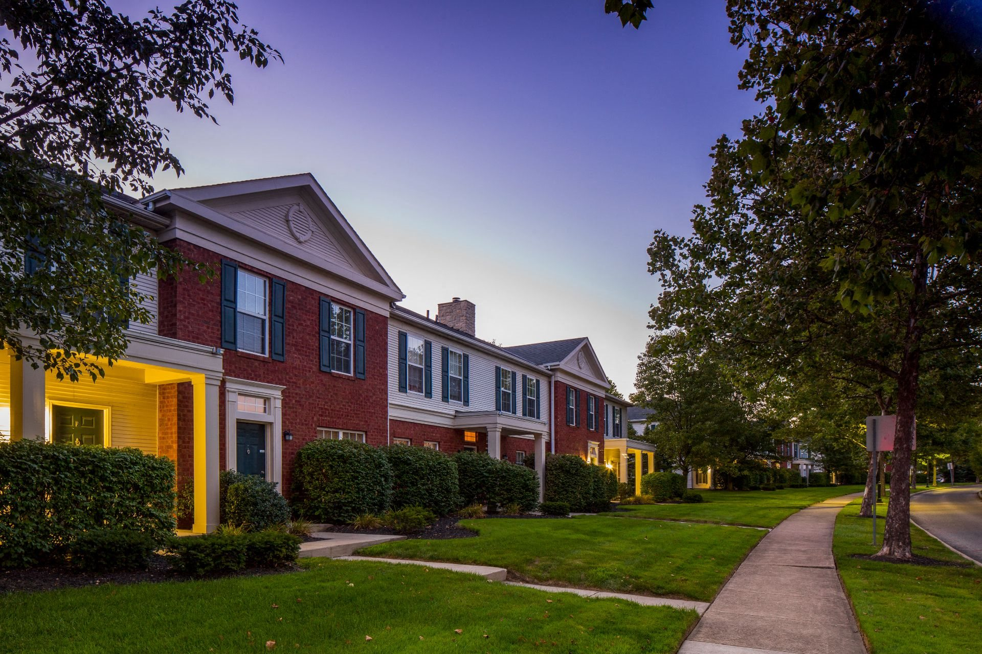 The Woods at Polaris Parkway Apartments and Townhomes with Patio 865 Glenmore Way Westerville OH 43082