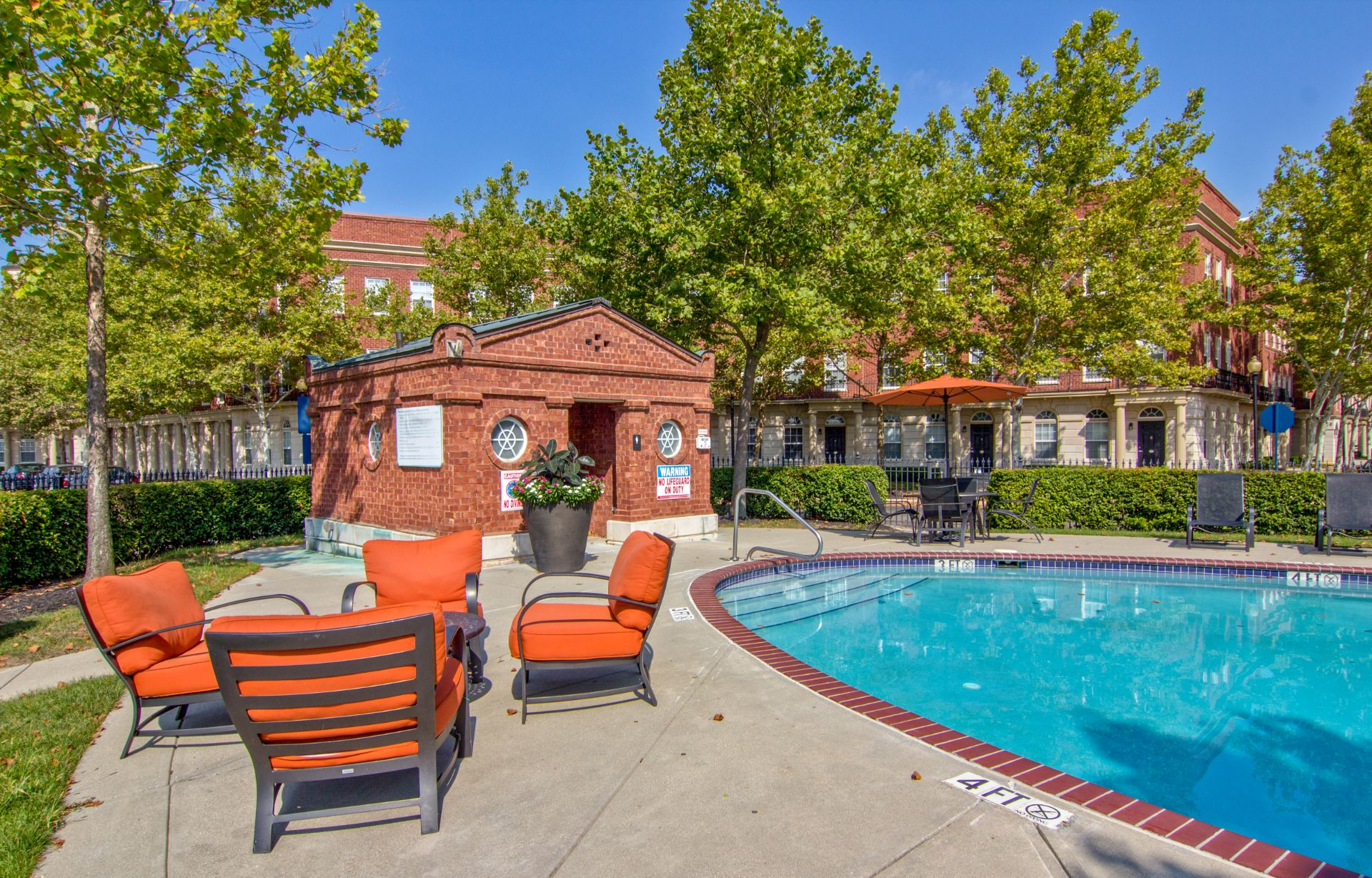 Easton Commons Apartments and Townhomes with Pool and Sundeck 4011 Easton Way Columbus OH 43219
