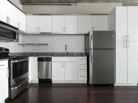 Fully Equipped Kitchen With Modern Appliances at Met Lofts, Los Angeles, CA, 90015