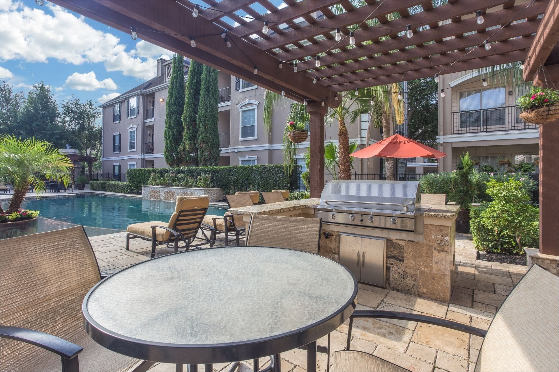 Outdoor Grills at Estates at Bellaire, Houston