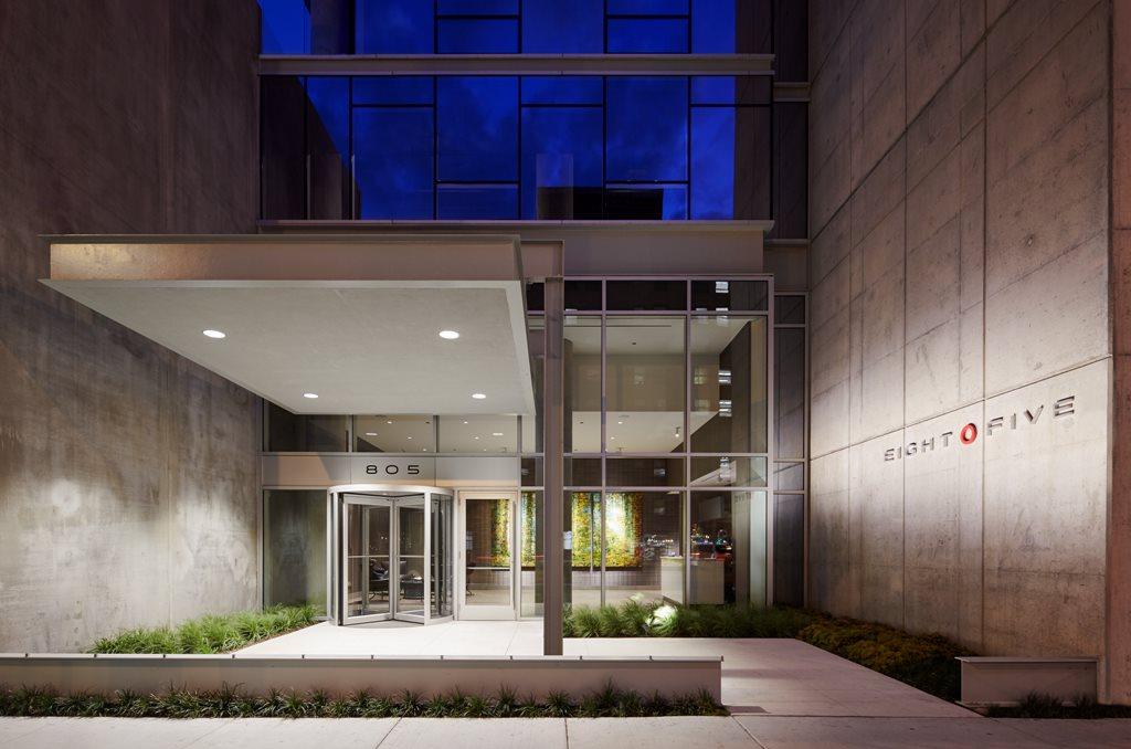 Eight O Five Apartments Chicago Illinois 60610