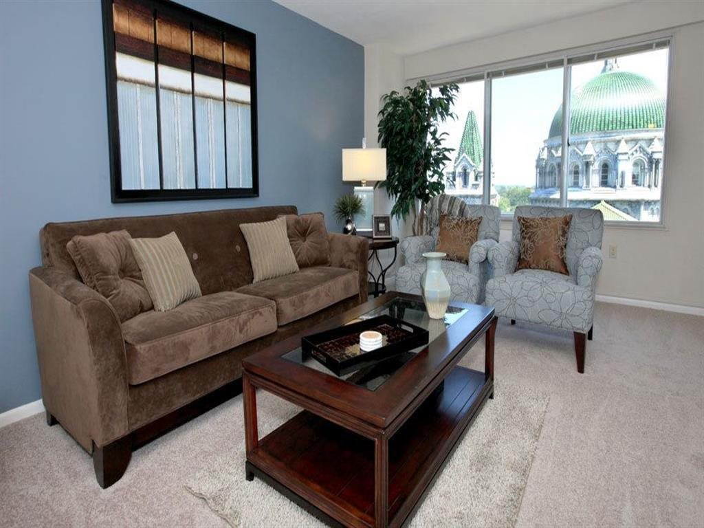Apartments With Views at Towne House, St. Louis