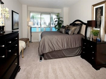 4400 Lindell Blvd 1 Bed Apartment for Rent Photo Gallery 1
