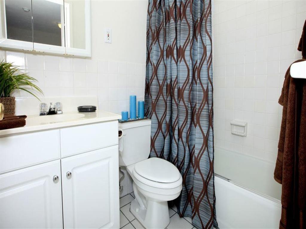 Luxurious Bathrooms at Towne House, Missouri, 63108