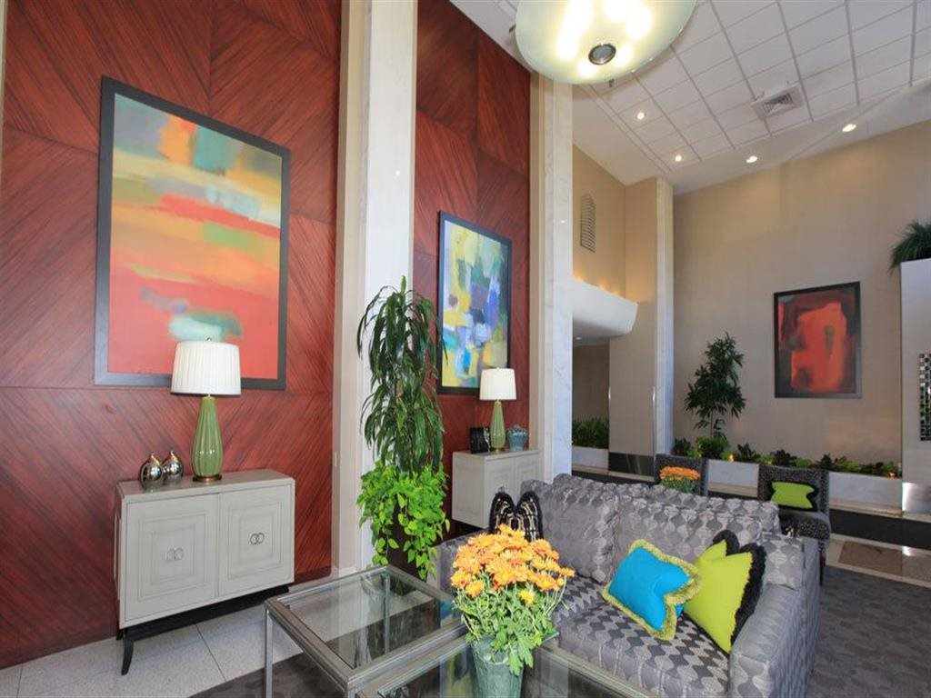 Resident Lounge at Towne House, St. Louis