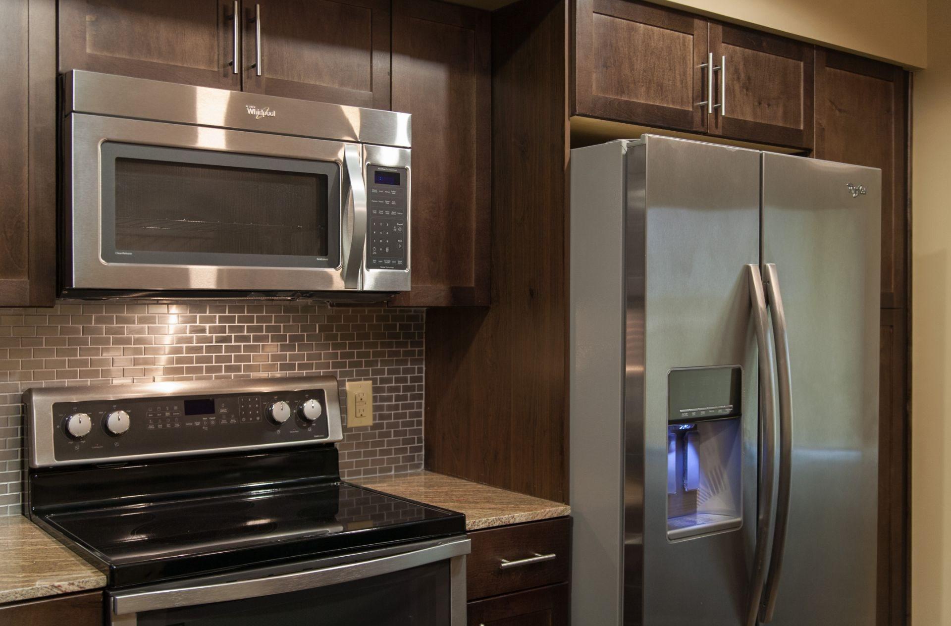 Refrigerator And Kitchen Appliances at Berkshire Riverview, Austin, 78741