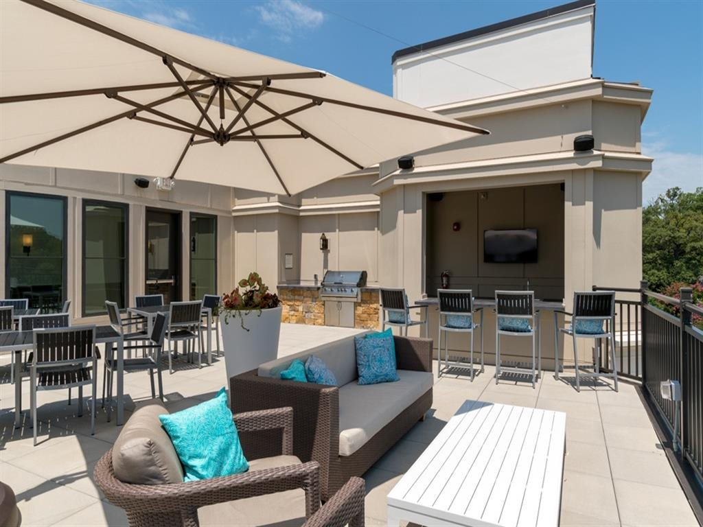 Berkshire Dilworth rooftop lounge