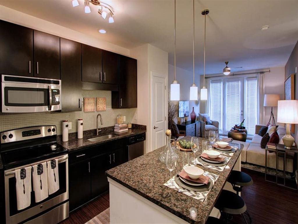 Berkshire Ninth Street kitchen with granite counters