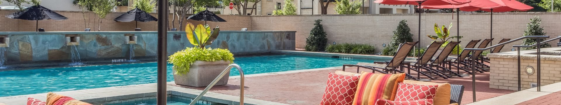 Lounge Swimming Pool With Cabana at Pavilion Townplace, Dallas, 75209