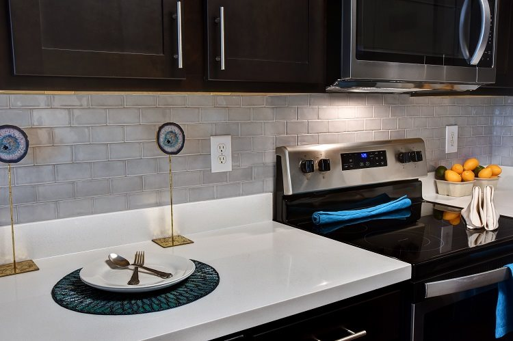 Electric Range In Kitchen at Greenbriar Park, Texas