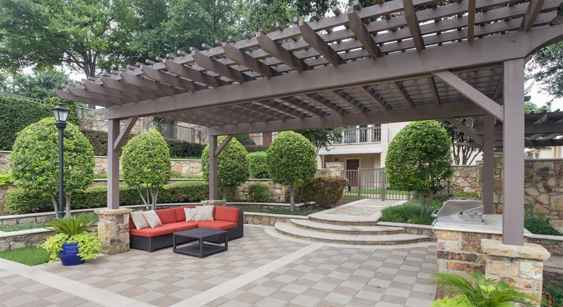 Garden Gazebo at Estancia Townhomes, Dallas, 75248