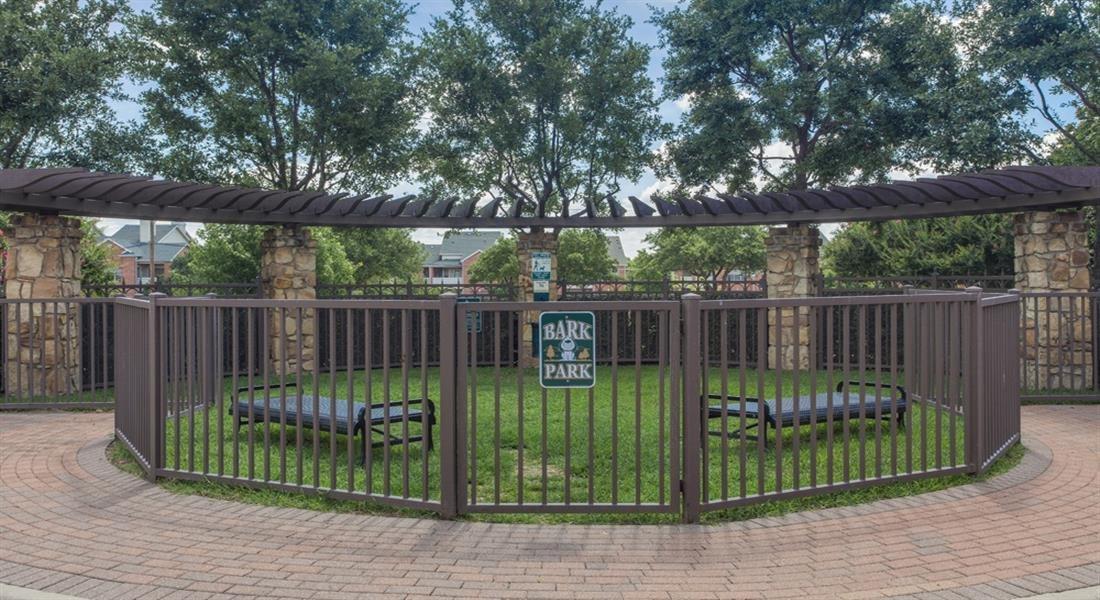 Pet Park at Estancia Townhomes, Dallas, TX