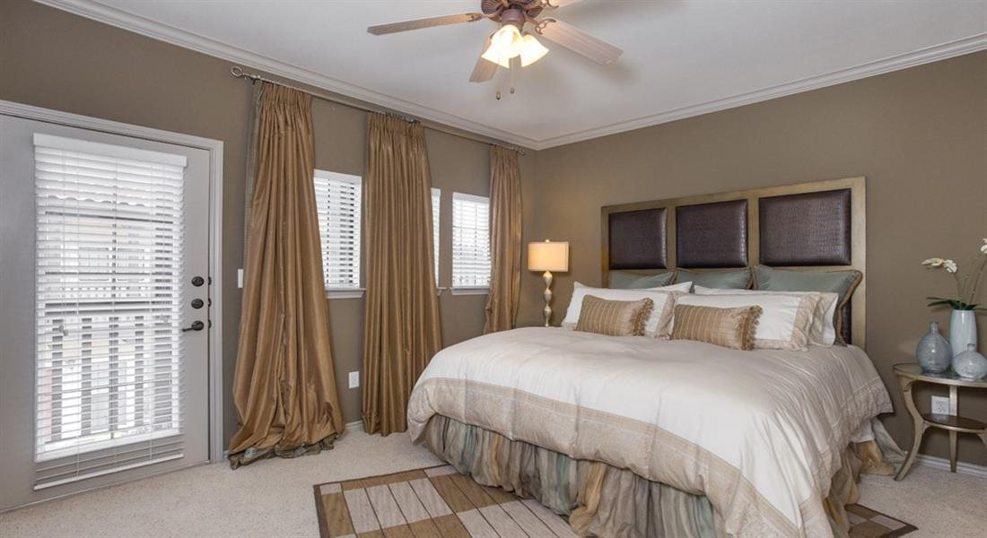 Large Master Bedroom at Estancia Townhomes, Dallas, TX