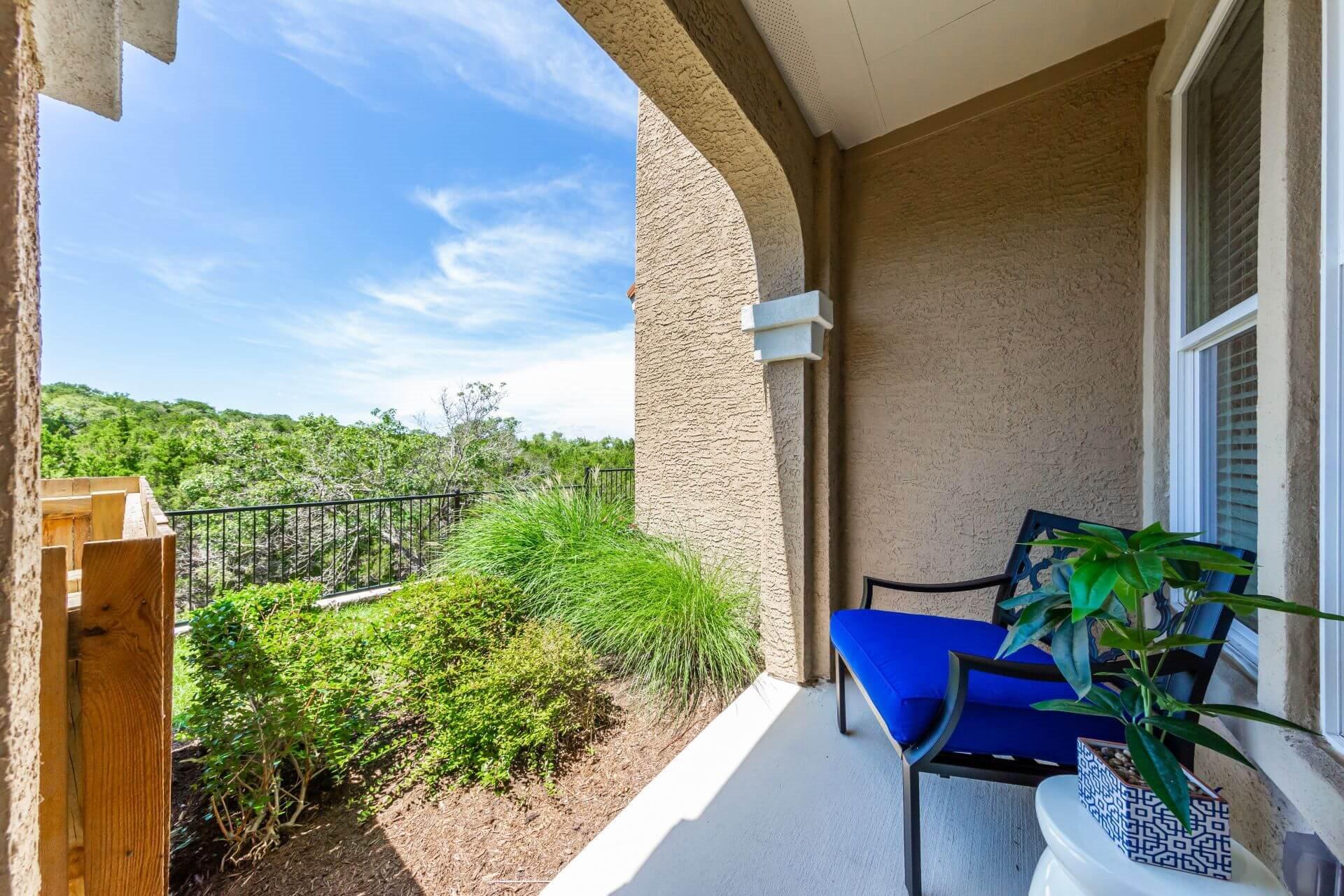 Spacious Patio With Sitting Arrangements at Berkshire Lakeway, Lakeway, Texas