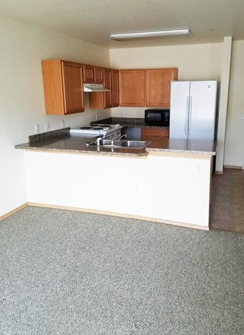 705 W. 6Th Street 1-2 Beds Apartment for Rent Photo Gallery 1